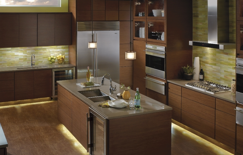 led-lighting-kitchencabinetandfloorlighting960x6141